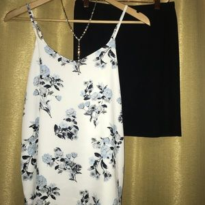 White Floral Hippie Rose Tank Size S